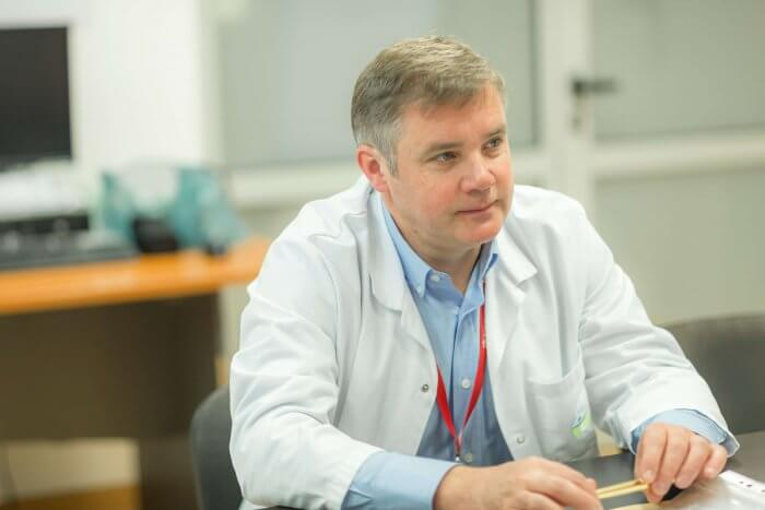La Clinicco Brașov, pacientul pleacă pe picioarele lui de pe masa de coronarografie