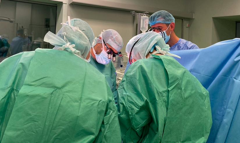 Despre metoda cea mai eficientă de revascularizare completă exclusiv arterială a inimii pentru pacienți tricoronarieni cu o putere de pompă a inimii scăzută (caz practic)